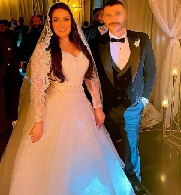 كم كلف فستان زفاف نرمين الفقي؟